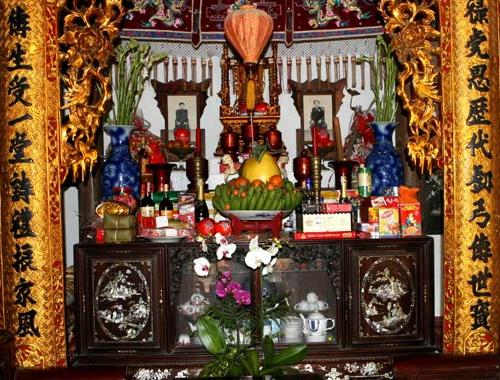 Bài trí bàn thờ theo phong thủy dựa trên tinh thần trang nghiêm, linh thiêng