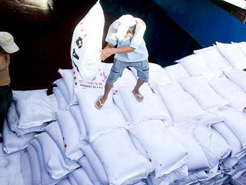 Nhập khẩu đường, muối: Trong nước đáp ứng đủ vẫn nhập!