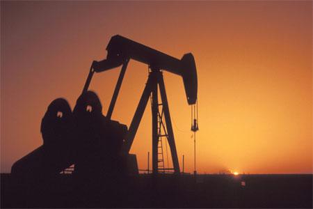 Giá dầu bất ngờ tăng mạnh trở lại