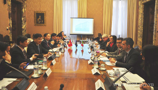 Italia muốn tăng hợp tác trong lĩnh vực ngân hàng với Việt Nam