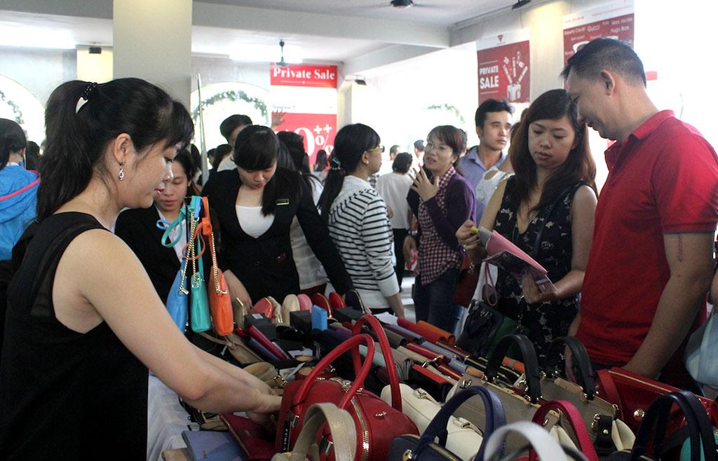 Các loại giày dép giảm giá đến 50%