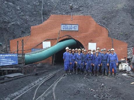 Thủ tướng duyệt bán 25% TCT Công nghiệp Mỏ Việt Bắc - Vinacomin
