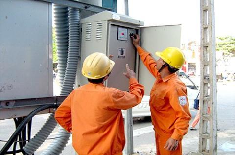 Đại diện Bộ Công thương: Tăng giá điện sẽ mang lại lợi ích cho mọi người.
