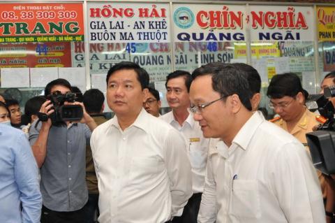 Áp lực của Bộ trưởng: Từ giảm cước đến tăng giá điện