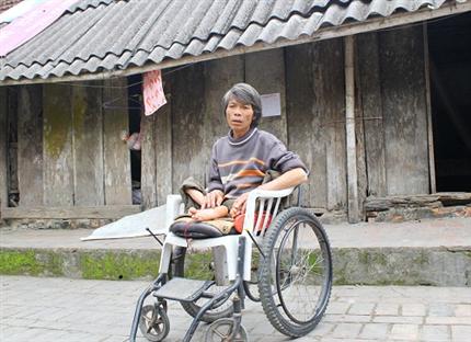 """Bộ trưởng Chuyền """"lệnh"""" xử nghiệm vụ ăn chặn tiền chính sách cho người khuyết tật"""