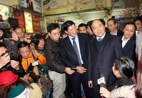 Phó Thủ tướng: Lấy xe của TGĐ Vận tải Hà Nội đưa dân về quê ăn Tết