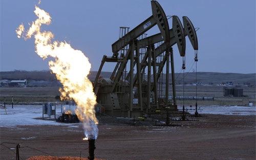 Giá dầu lại giảm dưới 50 USD/thùng