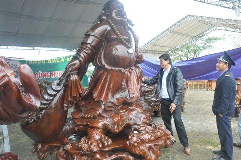 Tượng Thần tài Thủy tùng 8 tấn: Tiền tỷ không bán
