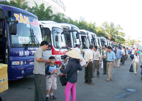 Doanh nghiệp vận tải dùng đủ 'chiêu' bắt chẹt giá vé với khách