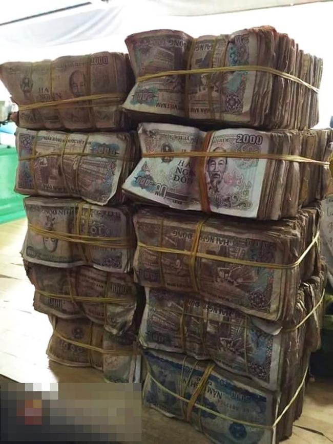 Những vụ mua bán hàng bao tải tiền lẻ, tiền xu khổng lồ