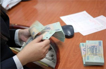 Nhiều nhà băng lớn chi ngàn tỷ mỗi năm cho lương, thưởng nhân viên