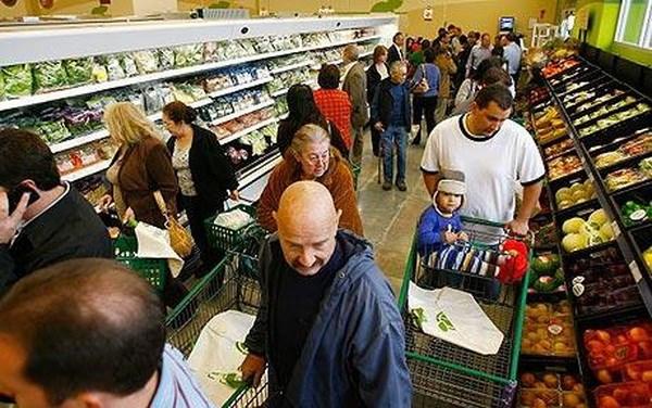 Niềm tin tiêu dùng khởi sắc cho thấy dấu hiệu phục hồi của Eurozone