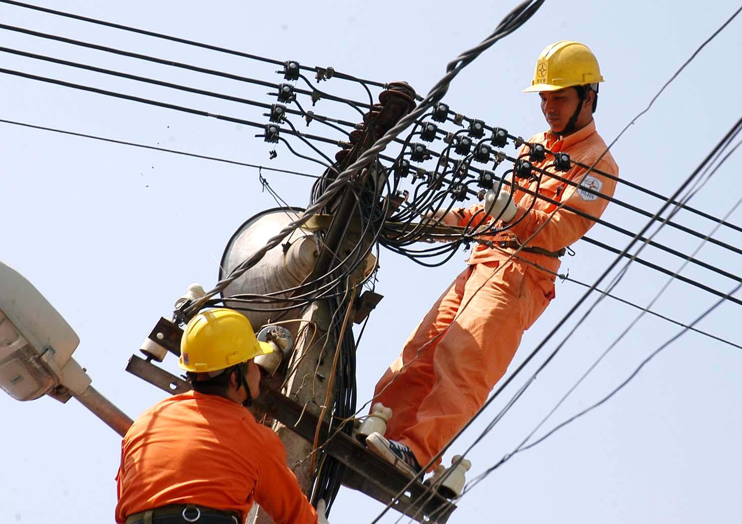 """""""Đề xuất tăng giá điện của EVN trong khoảng 7%-dưới 10%"""""""