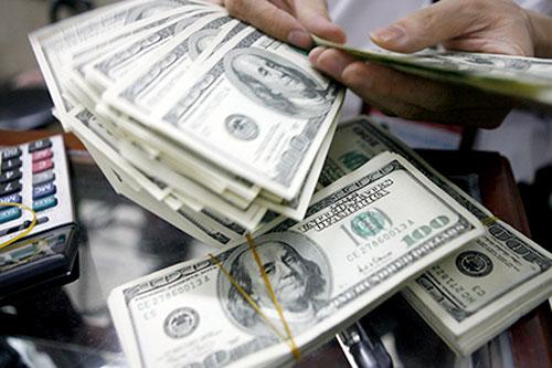 """Đề xuất phá giá tiền Đồng 3-4% để """"trả lại sức cạnh tranh"""""""