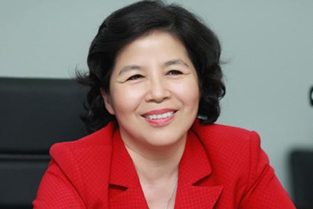 """Những """"bóng hồng"""" quyền lực trên thương trường Việt"""