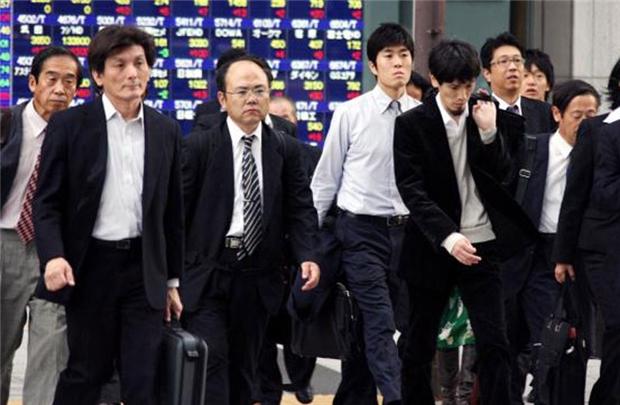 Nhật Bản: Nhân viên văn phòng làm việc 13 tiếng/ngày