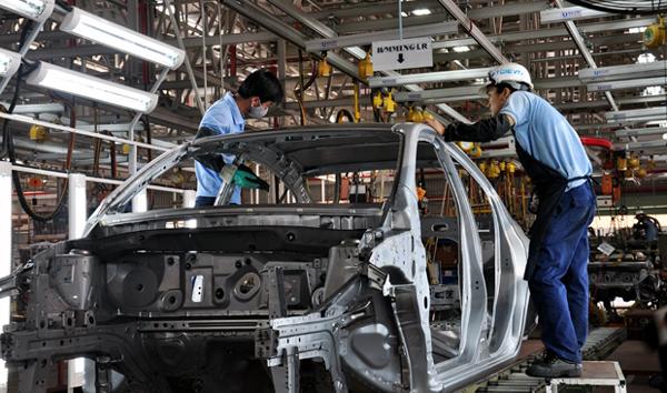 ô-tô, sản-xuất, công-nghiệp, thị-trường, xe, thuế, chi-phí, hỗ-trợ, tiêu-thụ, quy-mô-thị-trường, công-nghiệp-hỗ-trợ, thuế-tiêu-thụ-đặc-biệt, đầu-tư, ASEAN, Thái-Lan, Việt-Nam, Indonessia, Philippines.
