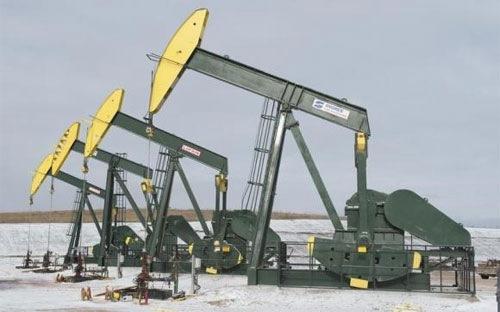 """OPEC """"thề"""" giữ sản lượng, giá dầu lại giảm"""