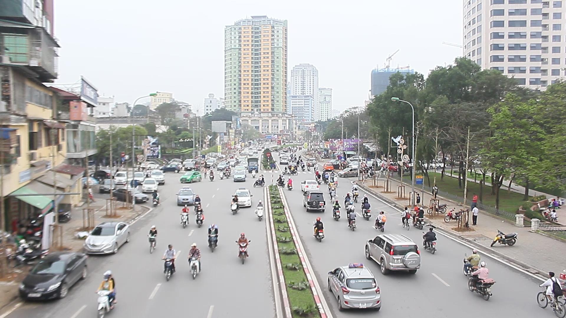 Phố Nguyễn Chí Thanh sau khi đã được thay thế cây xanh