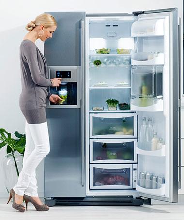 Khi chọn mua tủ lạnh cần lưu ý đến hệ thống xả tuyết, mức độ tiêu thụ điện, dung tích...