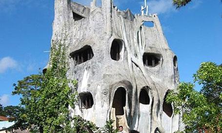 Đến thăm biệt thự có kiến trúc lập dị nhất ở Việt Nam