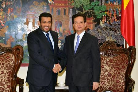 Thủ tướng mời nhà đầu tư Qatar mua ngân hàng, sân bay, cảng biển Việt Nam