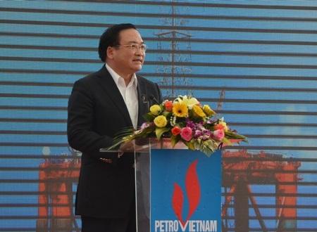 Phó Thủ tướng Hoàng Trung Hải phát biểu tại lễ khánh thành và bàn giao.