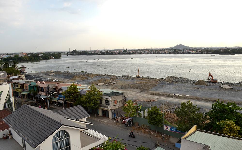 Quá trình lấn sông Đồng Nai ra khoảng 100m sắp về đích