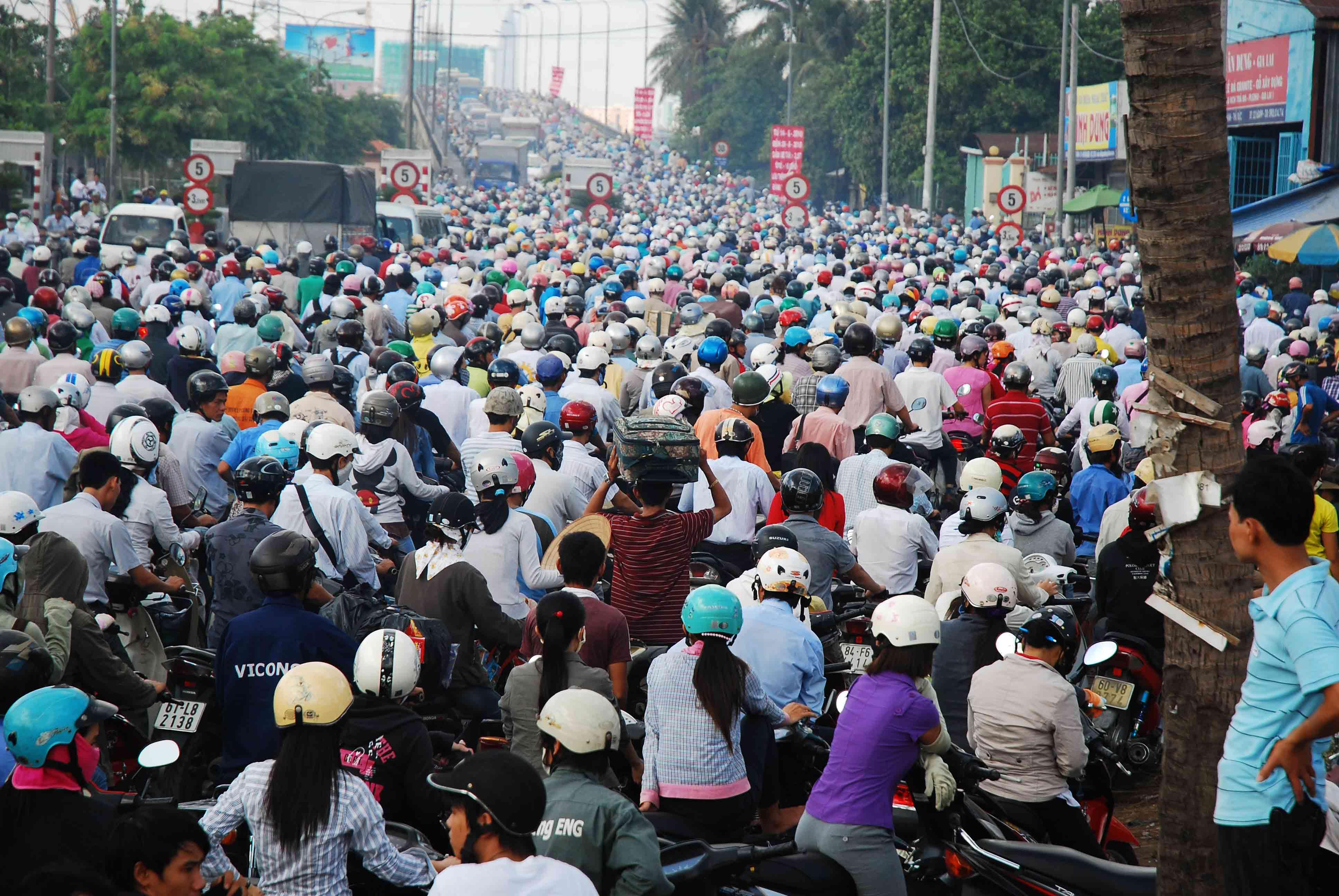 Việt Nam quá thừa xe máy!