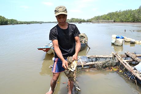 Người nuôi thủy sản khốn đốn vì dự án nạo vét sông