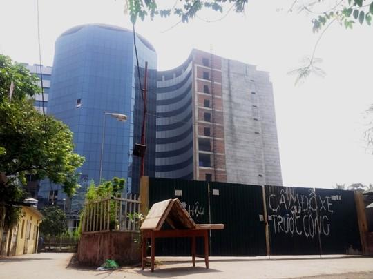 Cận cảnh bệnh viện quốc tế 50 triệu USD bỏ hoang giữa Hà Nội