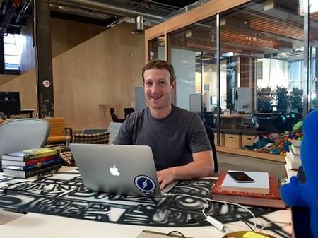 CEO Facebook tiết lộ thời gian làm việc