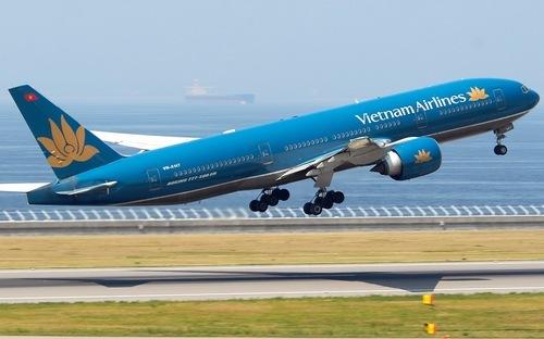 Cơ trưởng và tiếp viên Vietnam Airlines bị bắt vì buôn lậu vàng
