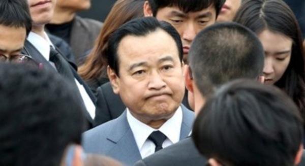 Thủ tướng Hàn Quốc đệ đơn từ chức