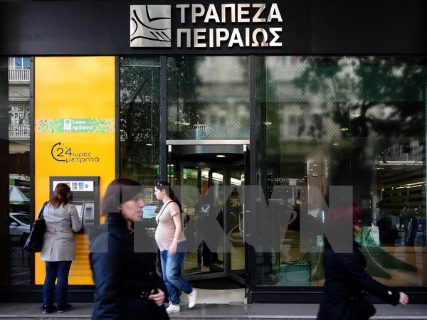 Ngân hàng lớn Hy Lạp sẽ xóa nợ cho khách hàng nghèo khó nhất