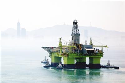 Trung Quốc đưa thêm giàn khoan nước sâu xuống Biển Đông