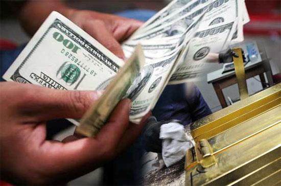 Giá USD tăng sát trần, vàng mất mốc 35 triệu đồng/lượng