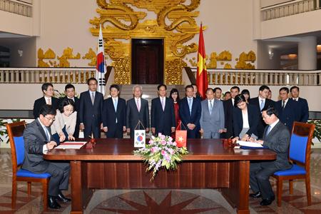 Việt – Hàn chính thức ký hiệp định thương mại tự do