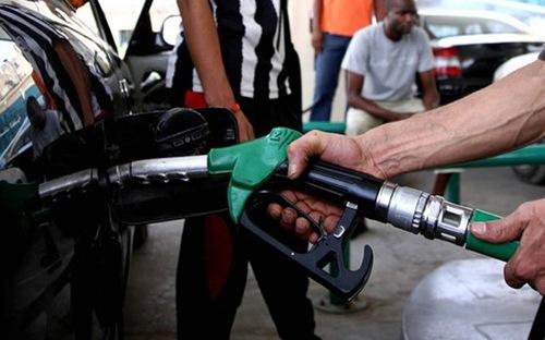 """CPI tháng 5 """"đồng hành"""" cùng giá xăng dầu"""