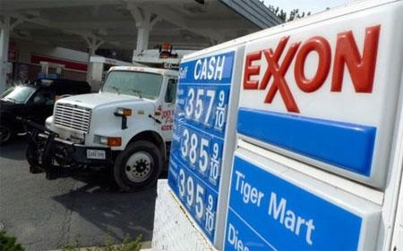 Giá dầu thế giới giảm mạnh nhất trong 1 tháng