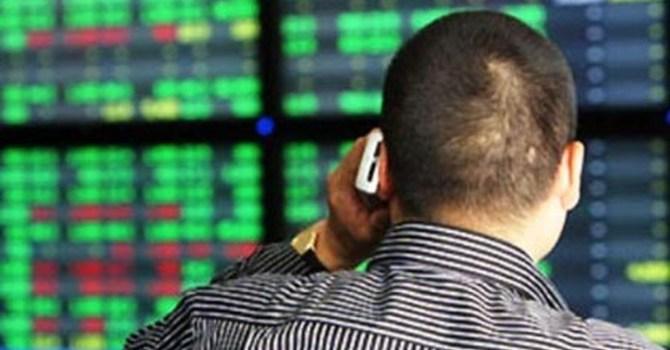 Thanh khoản HNX giảm mạnh trong tháng 4