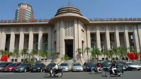 Chính phủ vay dự trữ ngoại hối: Cảnh báo nguy cơ