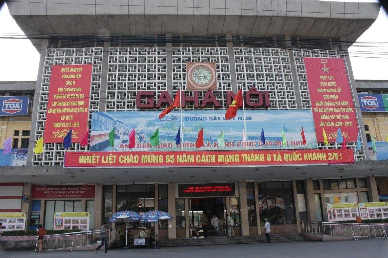 Bầu Hiển muốn mua Ga Hà Nội