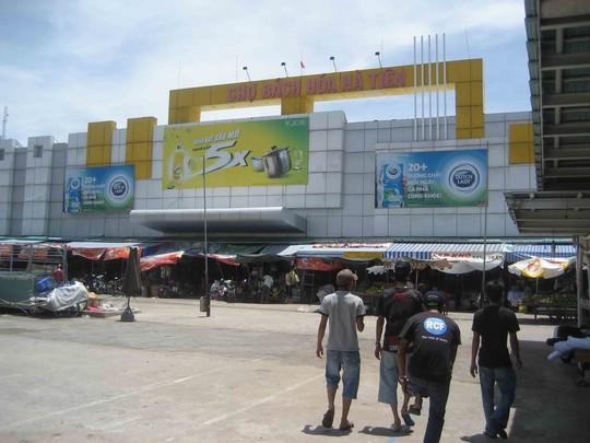 Hàng Thái Lan nhập lậu tràn ngập chợ Hà Tiên