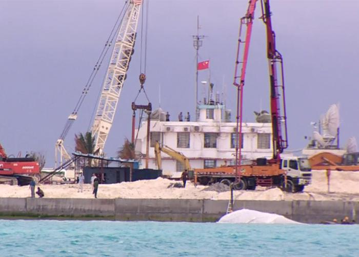 Hoạt động tạo đảo của Trung Quốc trên Gạc Ma, thuộc Trường Sa.