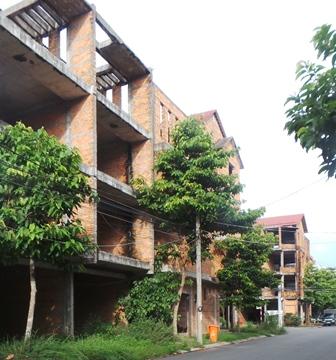 Hàng ngàn căn nhà xây thô đang bị bỏ hoang ở các khu Đô thị của nam Cần Thơ