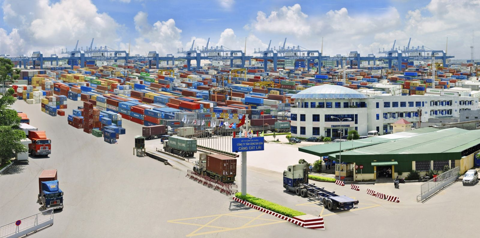 Việt Nam nhập siêu gần 3 tỷ USD trong 5 tháng đầu năm