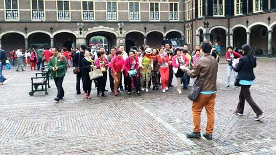 Đại gia Trung Quốc đãi 4.500 nhân viên đi du lịch Hà Lan