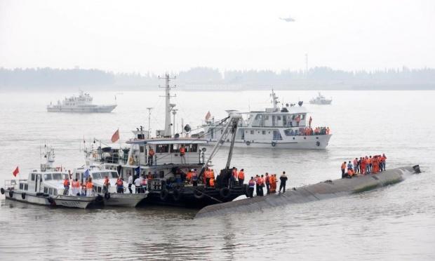 Hiện trường vụ chìm tàu trên sông Trường Giang (Ảnh: