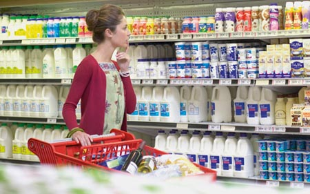 """Sữa, bánh kẹo… """"vô địch"""" về khiếu nại tiêu dùng"""